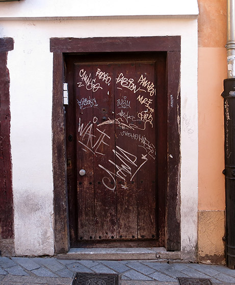 puertaleondos